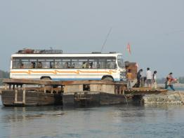 Bus on the Ferry miju/bray  grey hay bus tong nai
